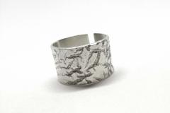 Anillo de plata texturizado