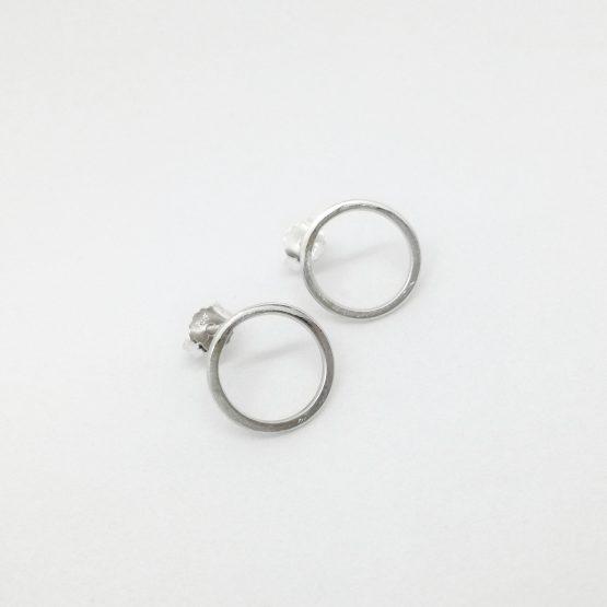 Pendientes de plata con diseño circular