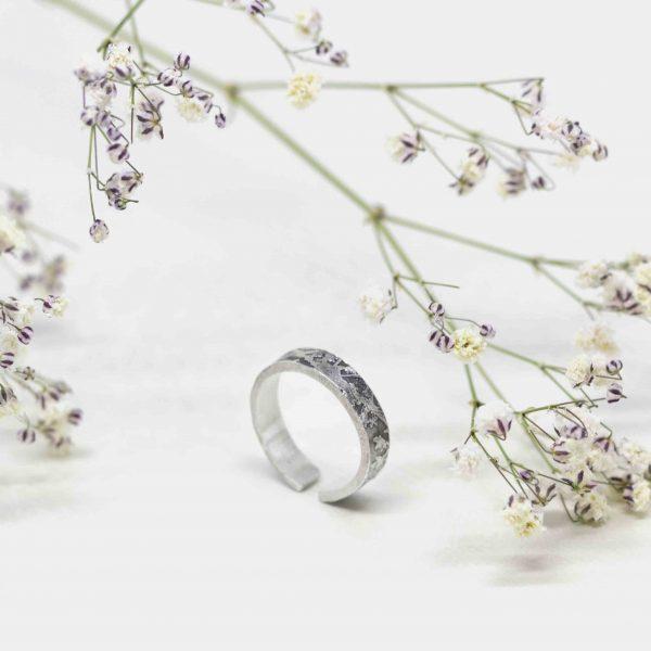 Anillo floral patina