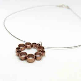 Colgante de cobre circular