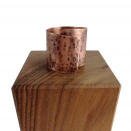 Anillo de cobre con pátina